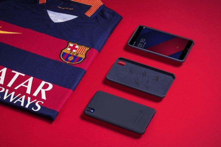 fc-barcelona-este-primul-club-de-fotbal-care-are-propriul-smartphone-cum-arata-cand-il-intorci-cu-spatele_3